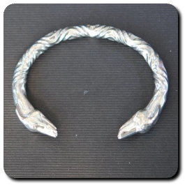Double-headed Bangle